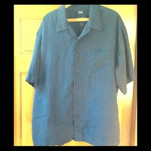 Haggar men's button down short sleeve shirt. XL